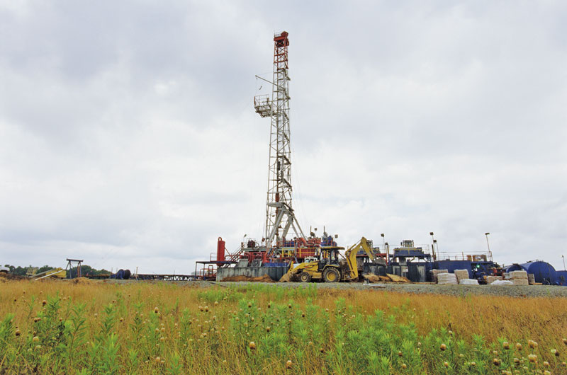Amoruso Field Rig. Photo courtesy of EnCana