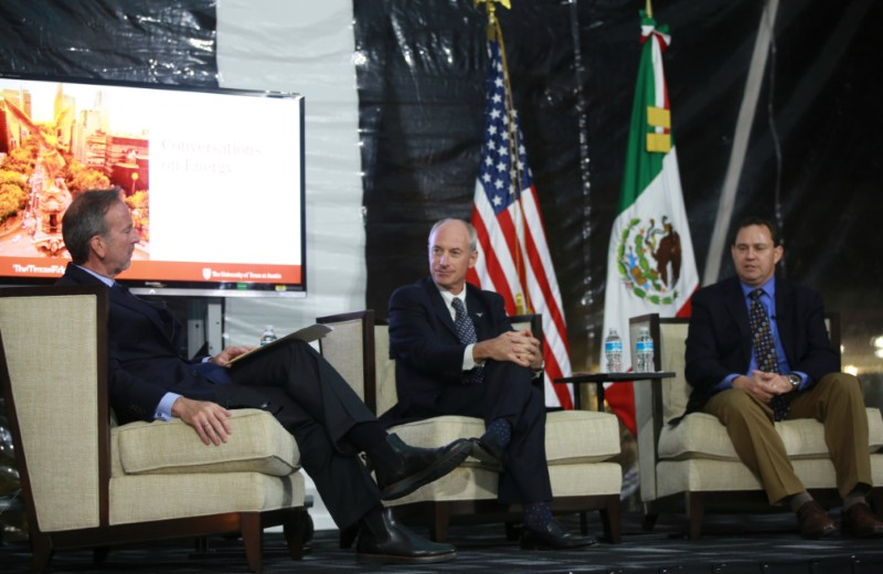 Texas Edge presentation in Mexico City: Discussing energy challenges with Dr. Michael Webber and Ambassador Garza in Mexico City.