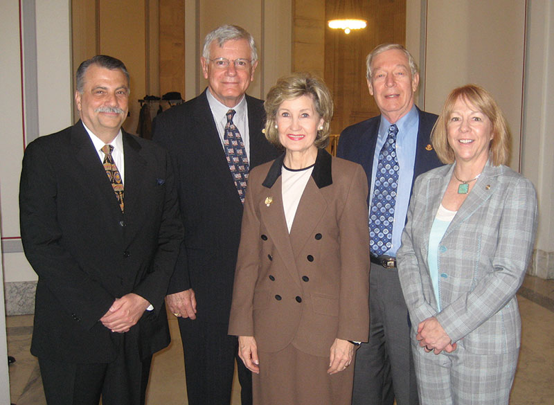 U.S. Sen. Kay Bailey Hutchison, R-Texas (center) met with AAPG members (from left) Allen Balla, Larry Jones, Dan Smith and Valary Schulz.