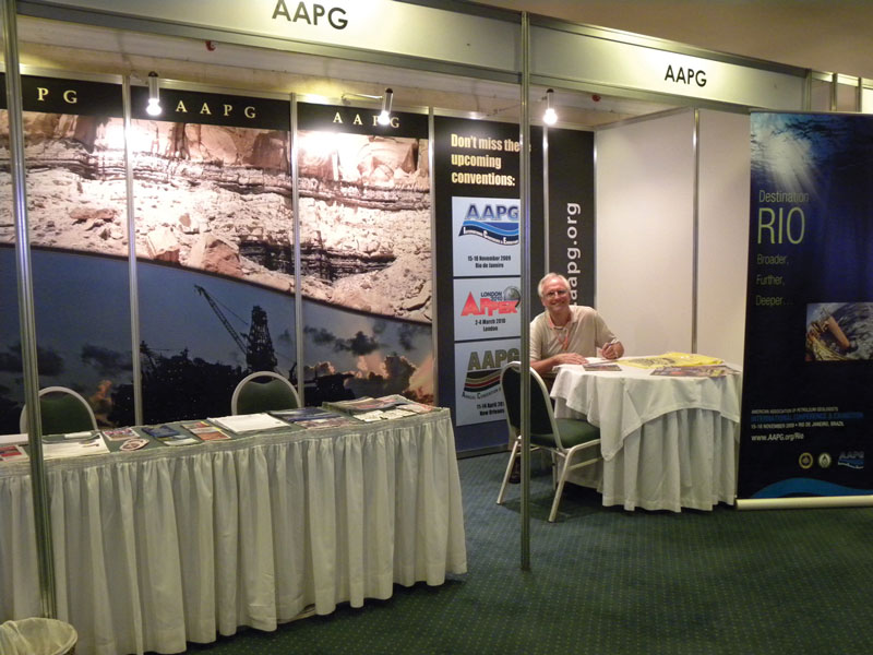 AAPG President-elect Dave Rensink takes his turn in the AAPG booth at the successful Simposio Bolivariano Petroleum Exploration event in Cartagena, Colombia.