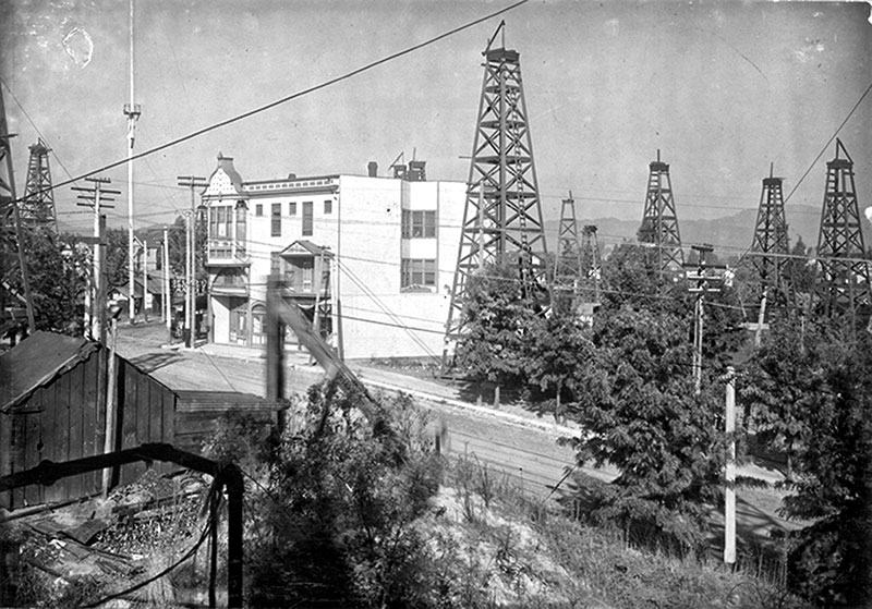 The way it was in 1905 at the Los Angeles City oil field, facing east from First Street and Belmont Avenue.