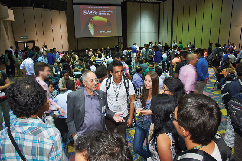 Getting to know you: John Kaldi, AAPG's vice president-Regions, was just one of the participants in the Meet-N-Greet session held in Cartagena before the ICE opening session.